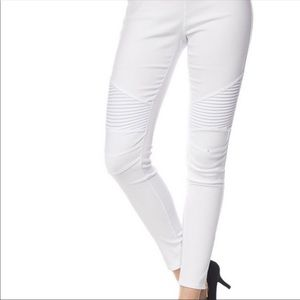 White stretch moto leggings with back pockets